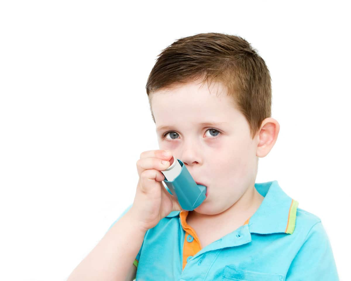 A boy with asthma. Grime Fighters allergy relief treatment Melbourne can reduce these symptoms